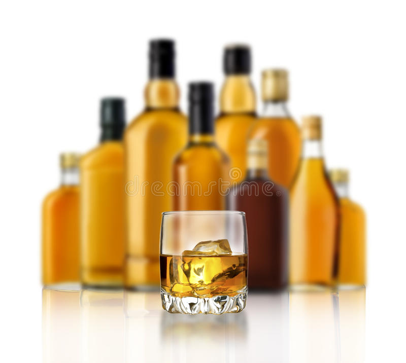 Flasche Whisky lizenzfreie stockbilder