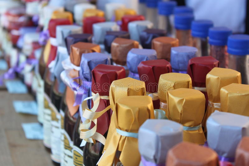 Flaschen gepackt lizenzfreie stockfotos