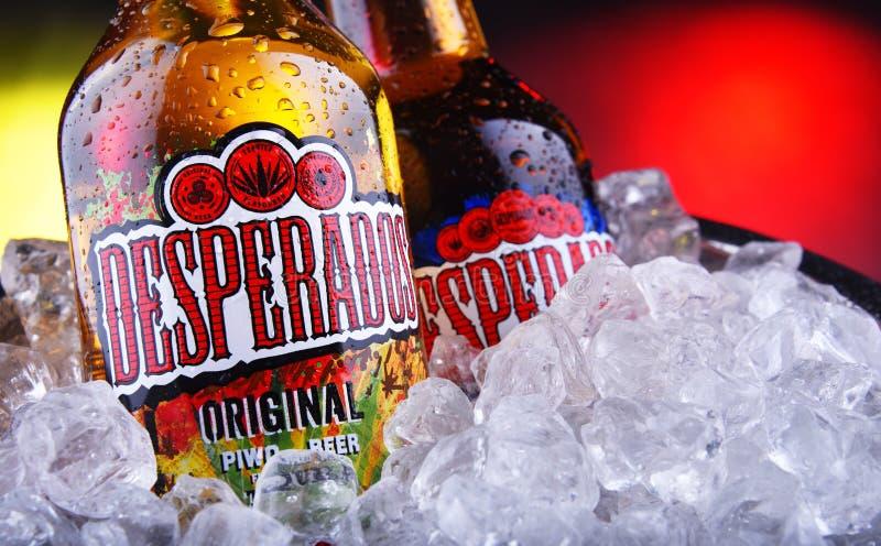 Flaschen Mit Desperados Bier In Eimer Mit Zerkleinertem Eis Redaktionelles Bild Bild Von Desperados Eimer 164065135