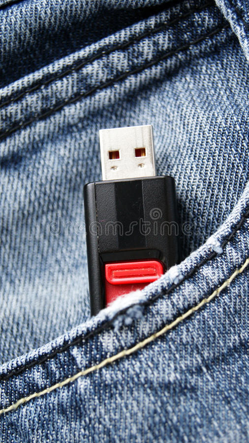 Flash del Usb en bolsillo