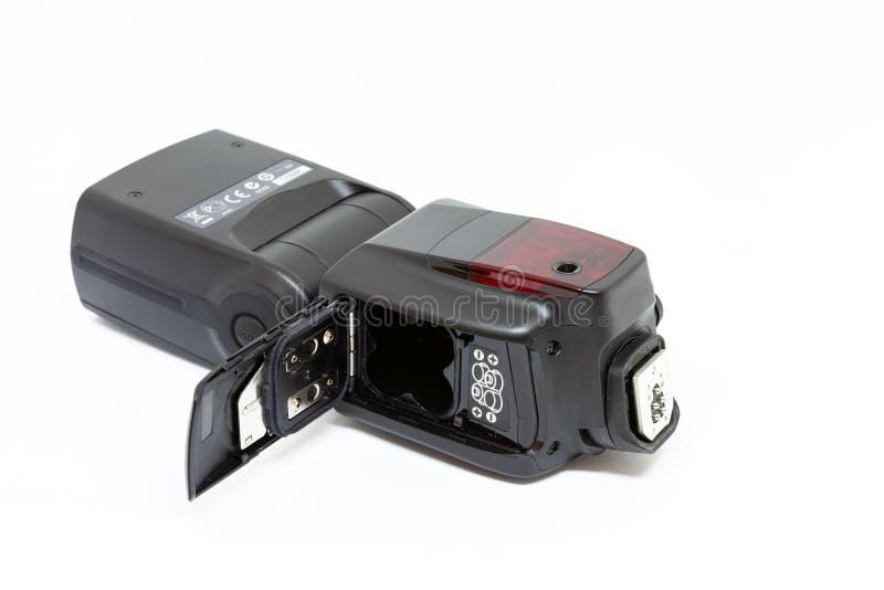 Flash externo da em-câmera com compartimento da bateria aberto foto de stock royalty free