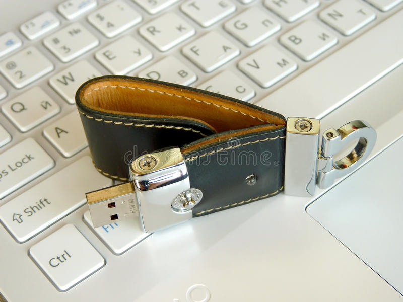 Flash-Karte auf der Tastatur lizenzfreie stockfotos