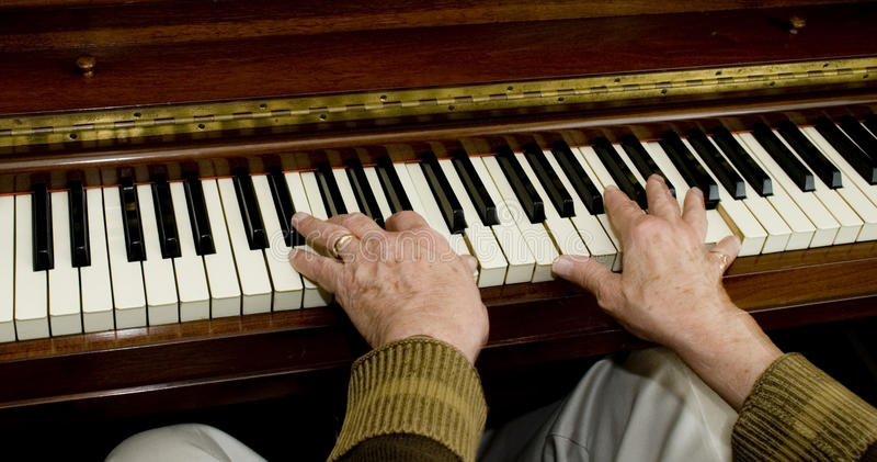 Download Mãos no piano foto de stock. Imagem de macho, homem, pianist - 29837484