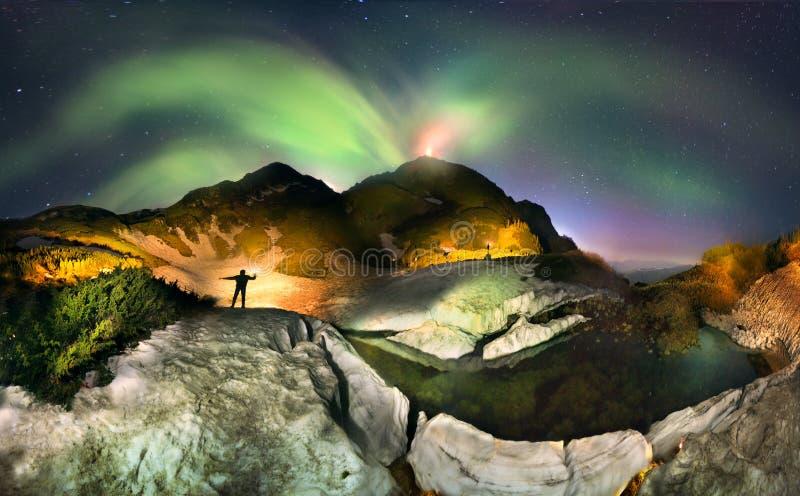 Flashes da aurora boreal fotos de stock