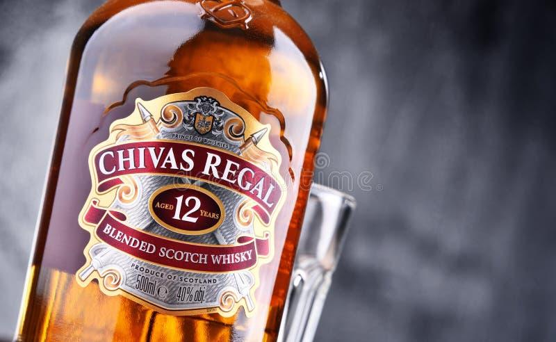 Flaska av Chivas Regal 12 blandad skotsk whisky royaltyfria foton