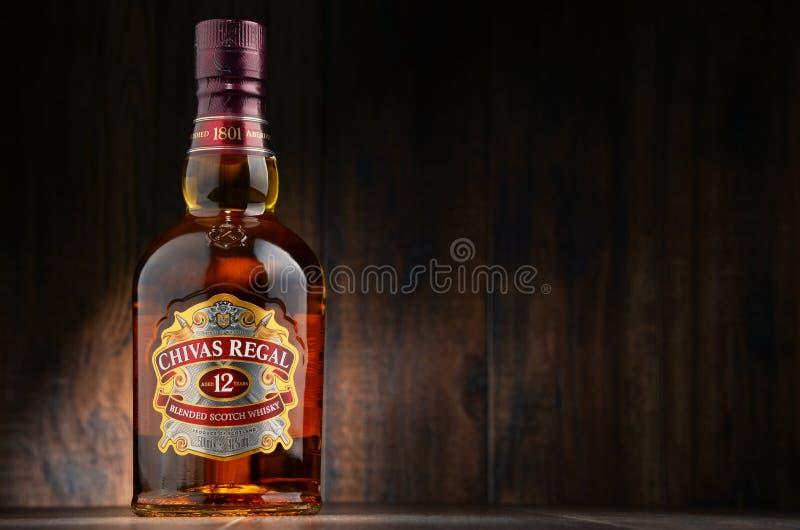 Flaska av Chivas Regal 12 blandad skotsk whisky royaltyfri bild