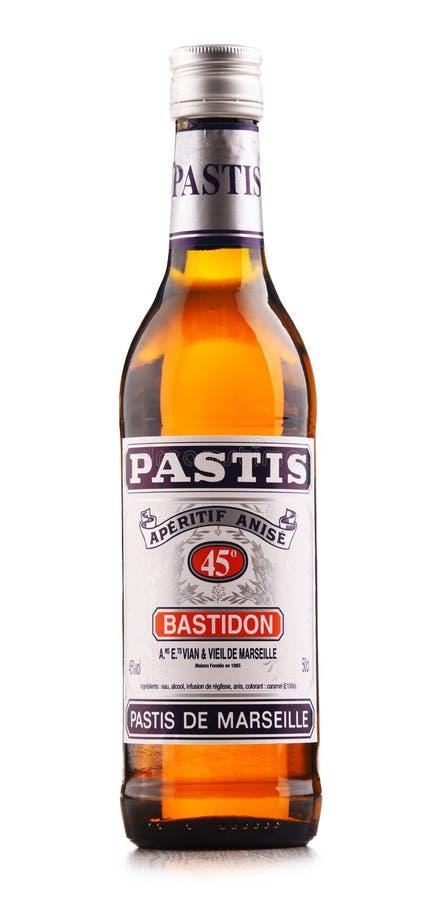 Flaska av Pastis de Marseille royaltyfria bilder
