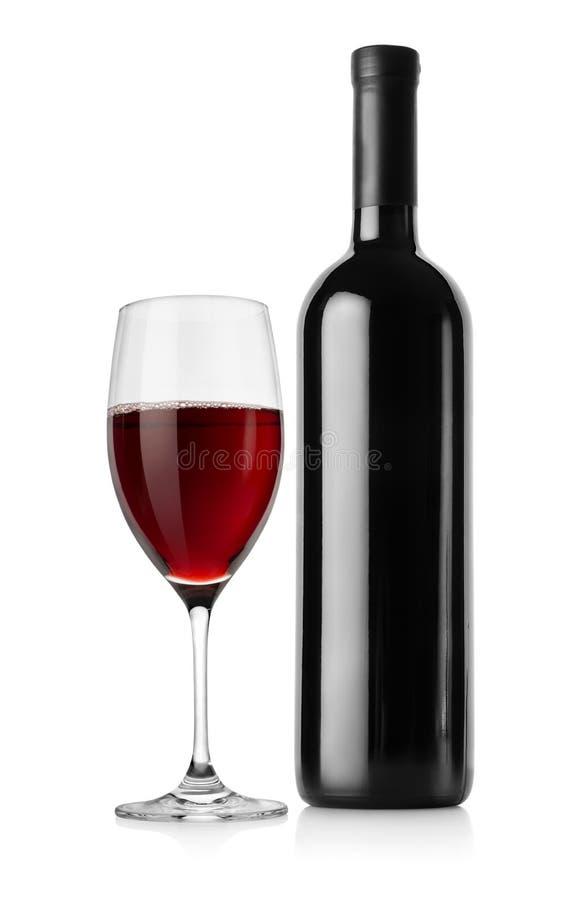Flaska av rött vin och wineglassen royaltyfri fotografi