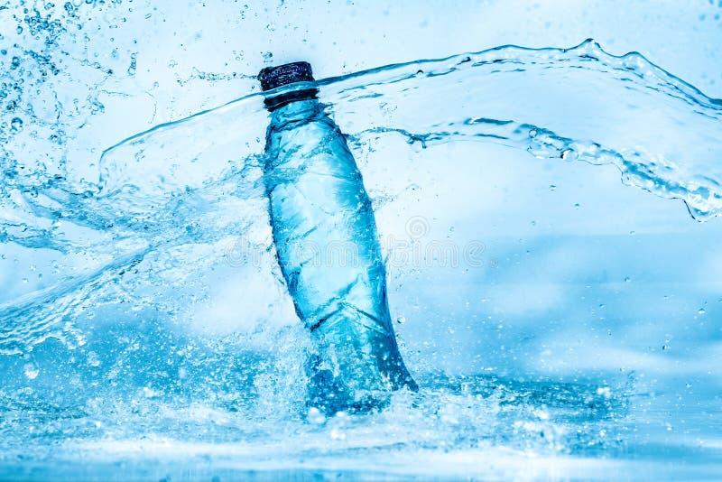 Flaska av vattenfärgstänk arkivbilder