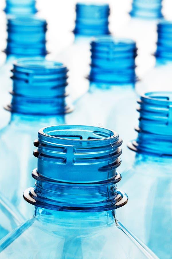 flaskan bottles tom plast- royaltyfria bilder