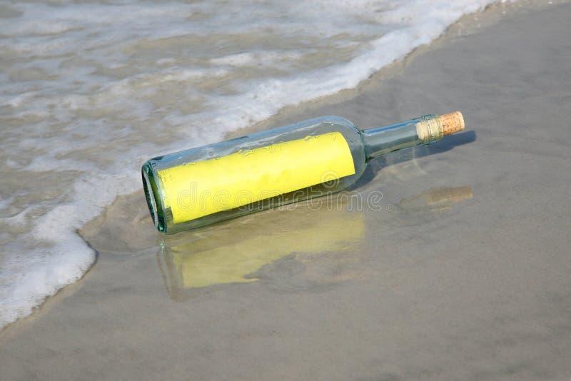 flaskmeddelande arkivbild