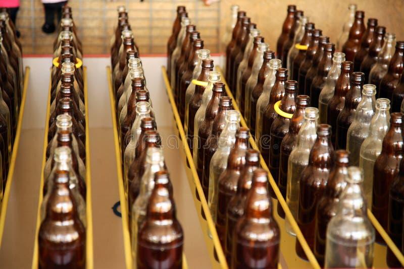 flaskor ringer dugg royaltyfri fotografi