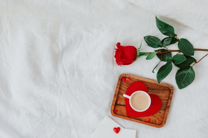 Flat Lay Valentines koncept royaltyfria bilder