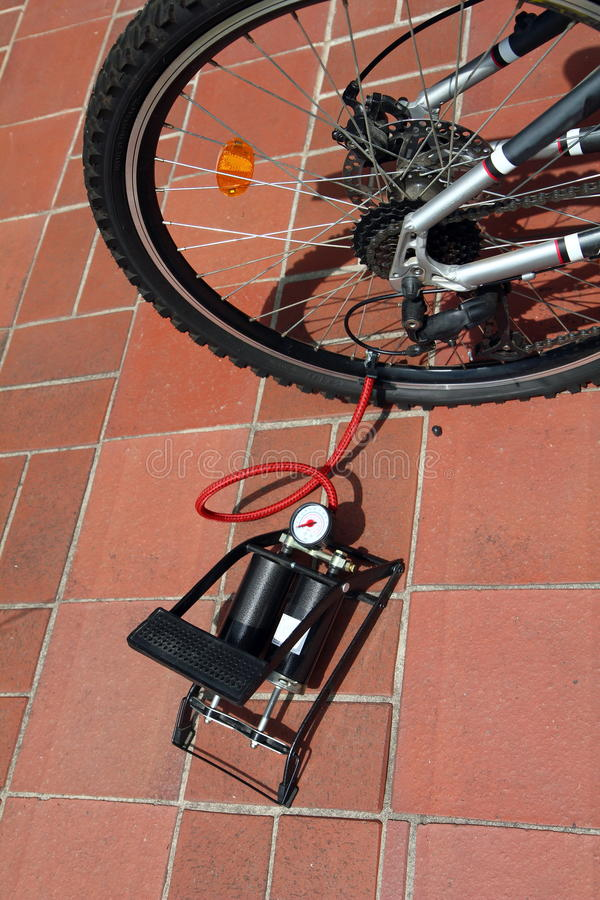 Download Flat tire stock image. Image of outdoor, bicycle, repair - 20291619