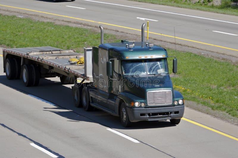 flatbed ciężarówka. obraz stock
