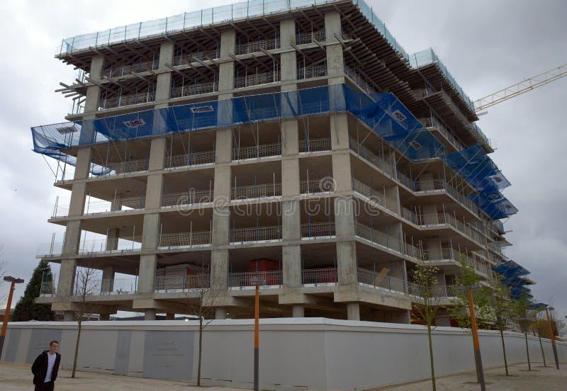 Flatblok in aanbouw in Bracknell, Engeland royalty-vrije stock foto's