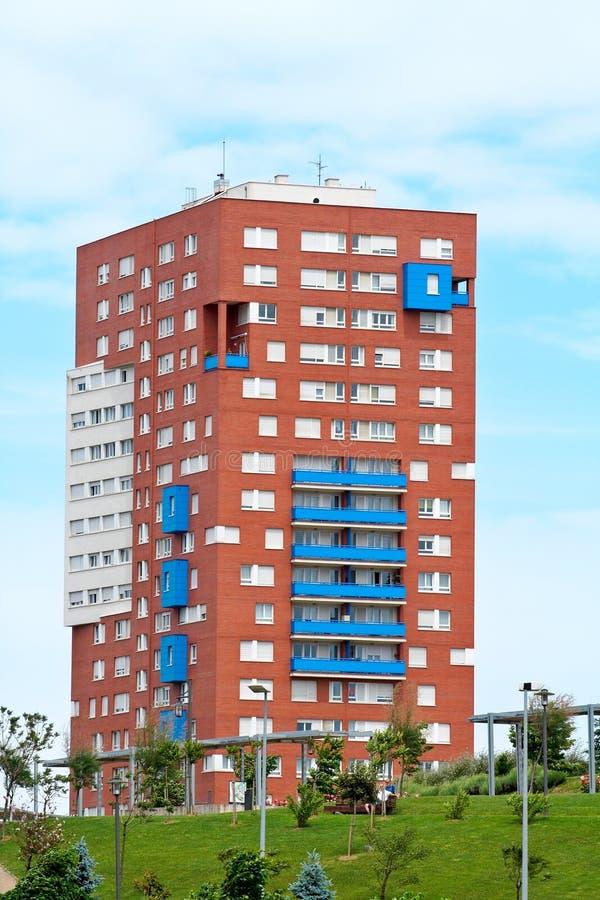 Flatgebouw stock afbeeldingen