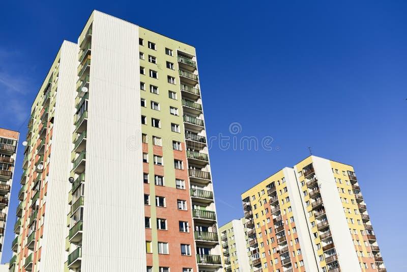 Flatgebouw in Warshau, post-communistische architectuur royalty-vrije stock foto