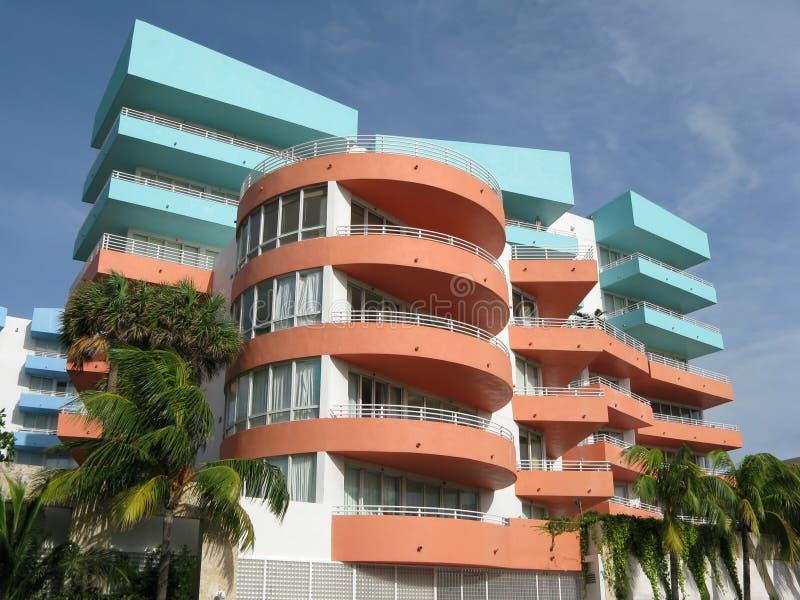 Flatgebouwen met koopflats stock fotografie