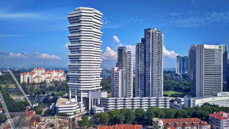 Flatgebouwen met koopflats en hotels in Singapore stock afbeelding