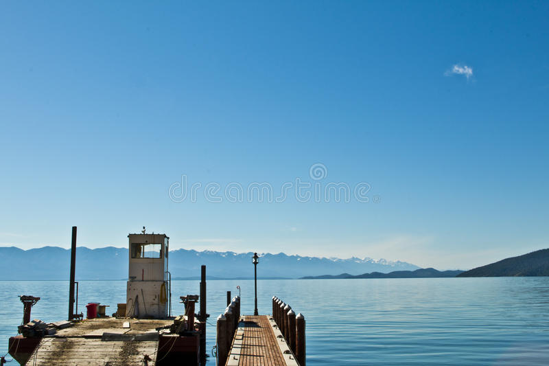 Flathead φορτηγίδα αποβαθρών W λιμνών στοκ φωτογραφία με δικαίωμα ελεύθερης χρήσης