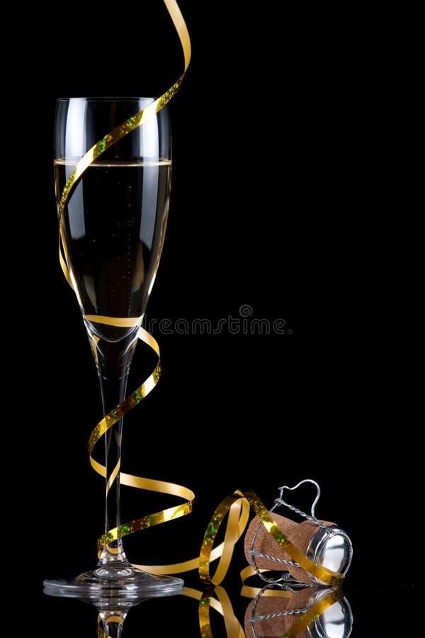Flauta de Champagne com reflexão fotos de stock royalty free