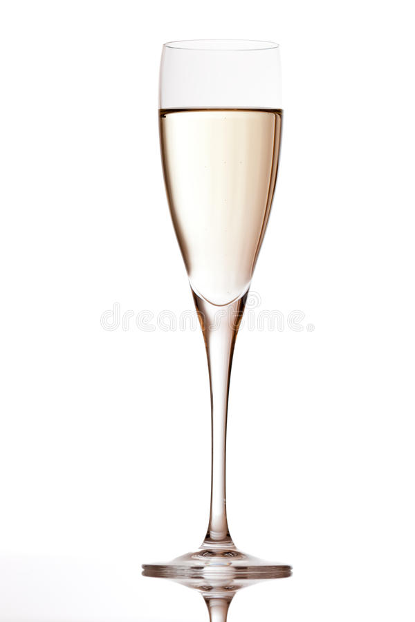 Flauta de Champagne com reflexão imagens de stock