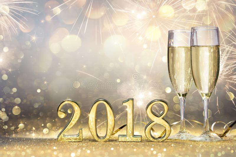 Flautas novas do ano 2018 - dois com Champagne fotografia de stock royalty free