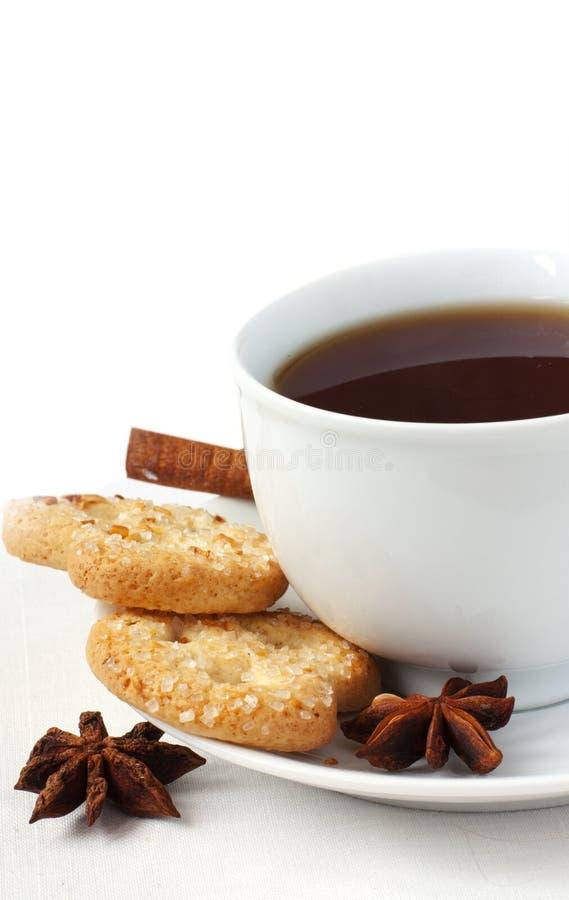 Flavor tea with biscuits