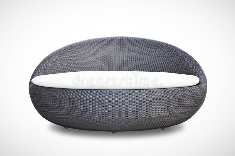 Flechtweidenschlafcouch der runden Form lizenzfreie stockbilder