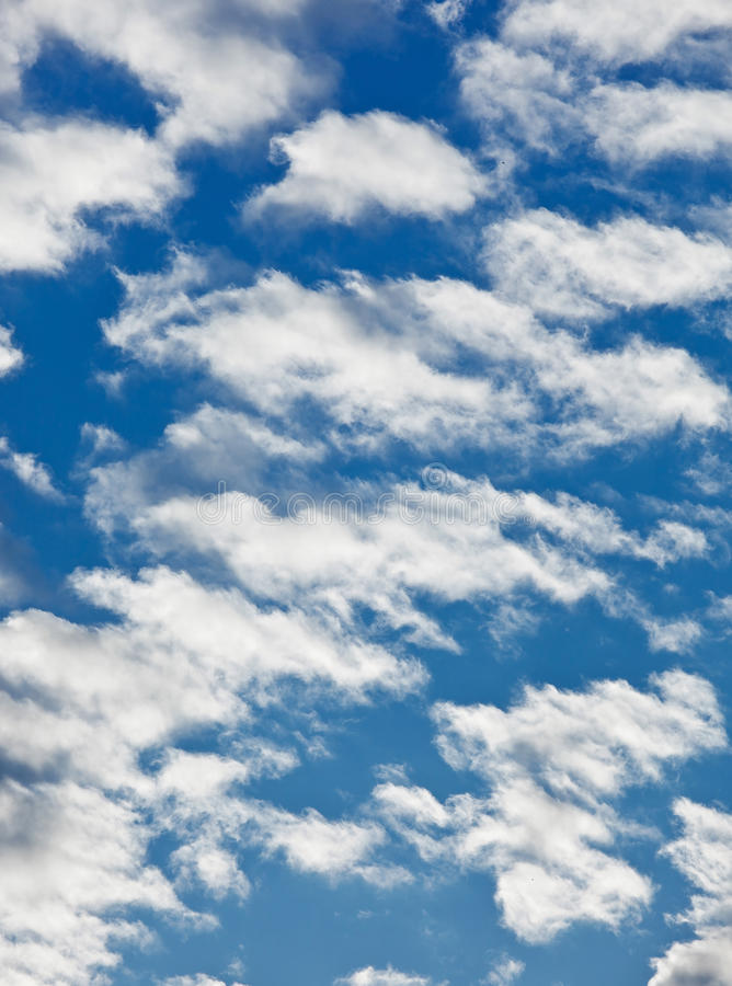 Free Fleecy Clouds On Blue Sky Stock Photography - 14521952