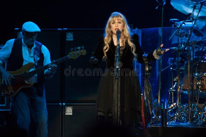 Fleetwood Mac In Concert - Sacramento, CA fotografering för bildbyråer