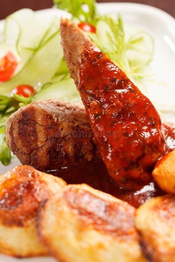 Download Fleisch stockfoto. Bild von mahlzeit, pfeffer, gaststätte - 26374430