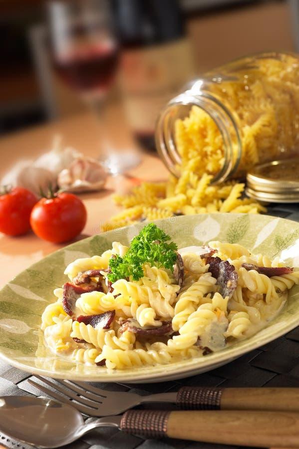 Fleischige italienische Teigwaren lizenzfreie stockfotos