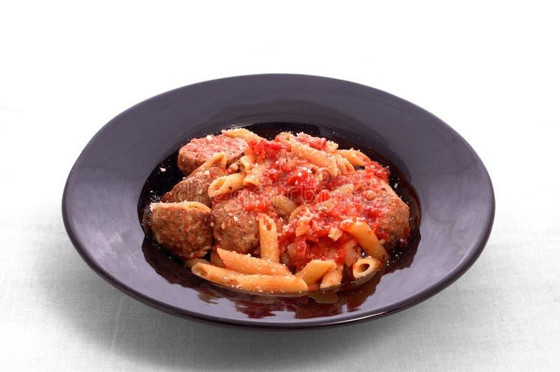 Fleischklöschen und Teigwaren lizenzfreies stockfoto