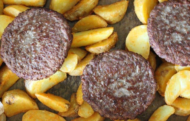 Download Fleischkuchen stockfoto. Bild von kartoffel, nahrung - 90233594