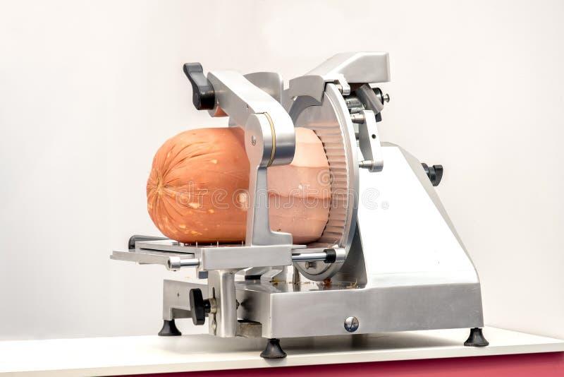 Fleischschneidmaschinenmortadella lizenzfreie stockfotos