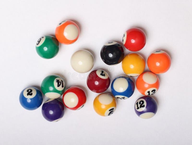 Flerfärgade kulor för tre snooker arkivfoton