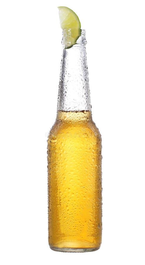 Fles bier met kalk stock foto