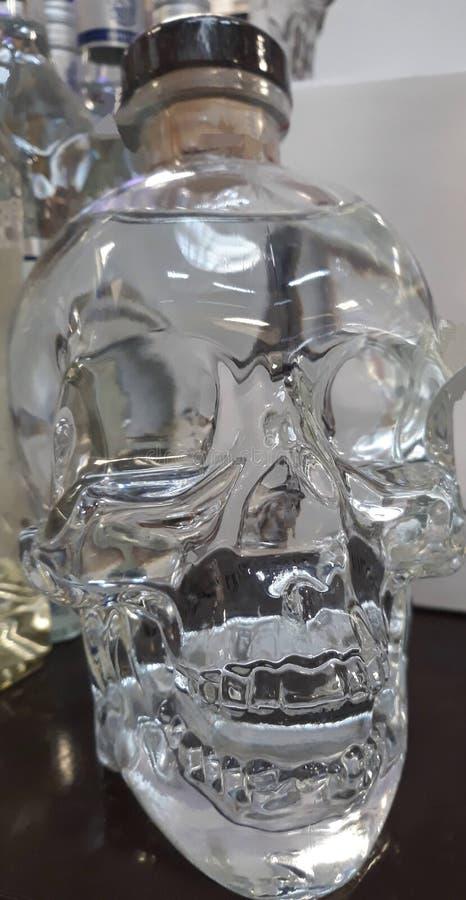 fles en schedelvorm stock foto's