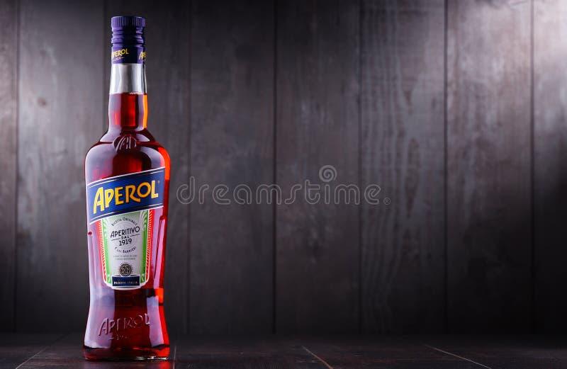 Fles van Aperol, een Italiaans die aperitief door Campari wordt geproduceerd royalty-vrije stock fotografie