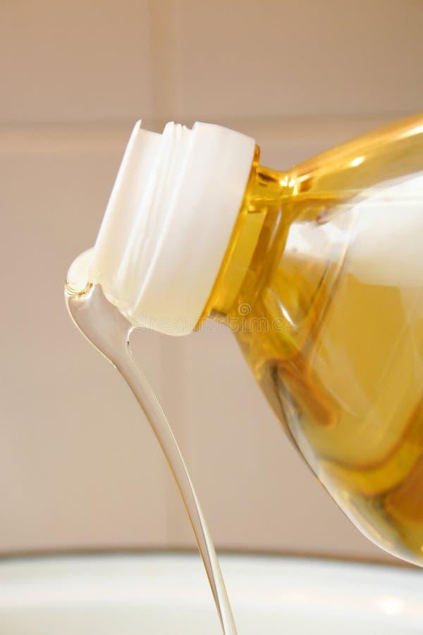 Fles van de olie 01 royalty-vrije stock afbeeldingen