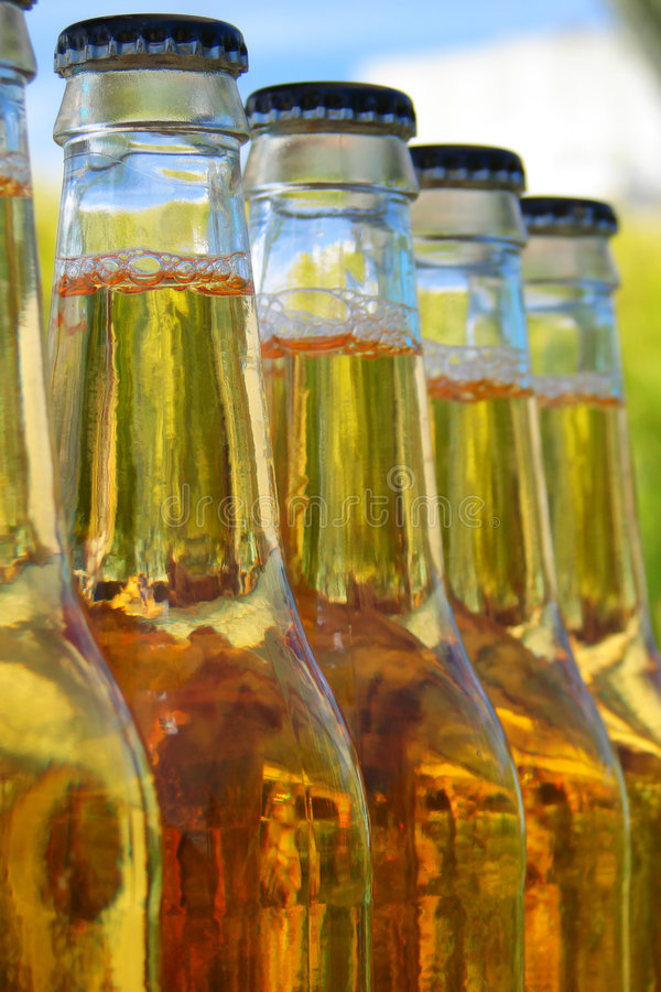 Flessen bier stock foto's