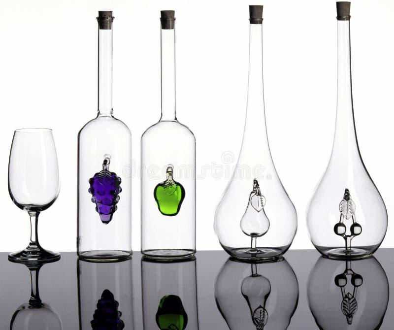 Flessen en glas royalty-vrije stock fotografie