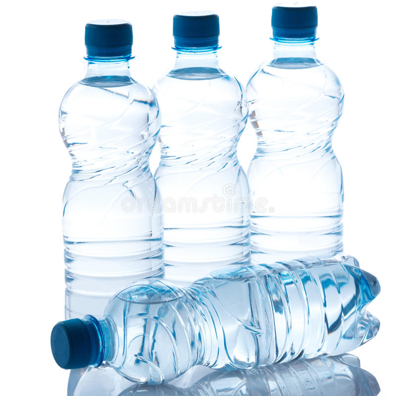Flessen met water royalty-vrije stock fotografie