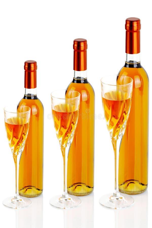 Flessen passitowijn met chlicea stock foto's