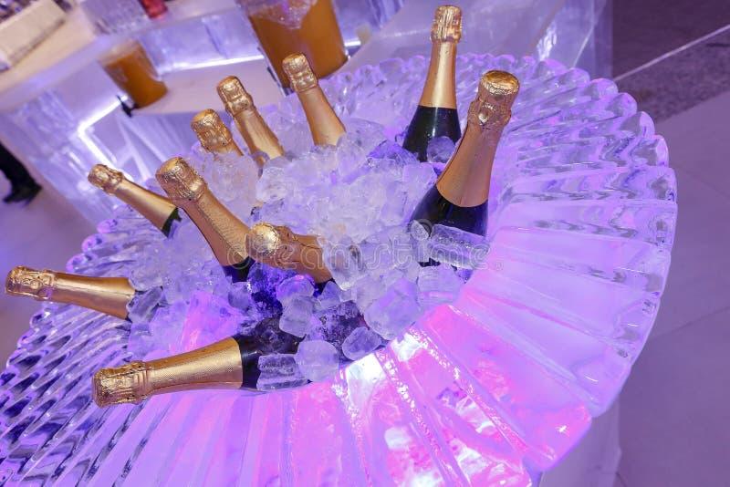 Flessen van de ongeopende Champaign stock fotografie