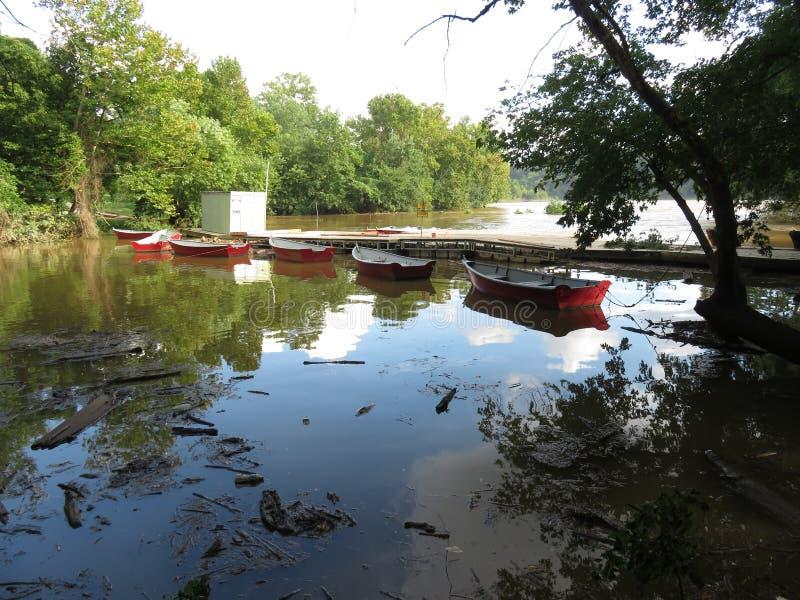 Fletchers的被充斥的波托马克河 免版税库存照片