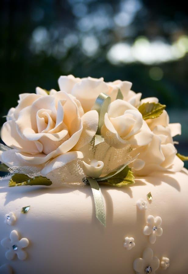 Fleur d'Iceing de gâteau de mariage photographie stock libre de droits
