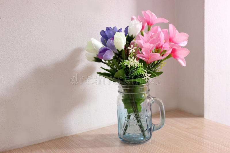Fleur dans la chambre image libre de droits